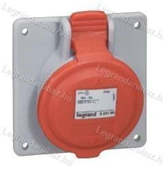 Legrand P17 Tempra PRO Dafbe-322k06 m230V IP44 döntött aljzat 555284