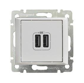 Legrand Valena 2 USB töltő aljzat, 1500 mA, fehér